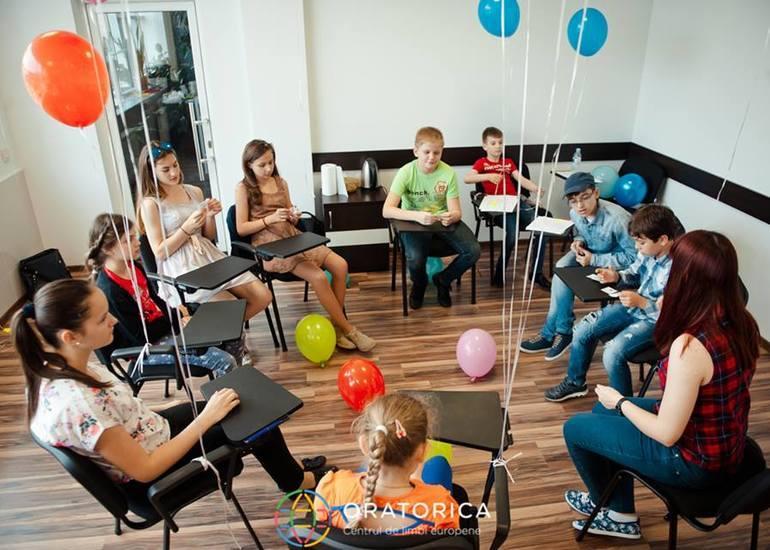 Oratorica - курси англійської мови